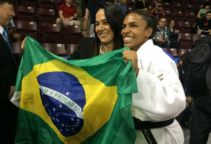 Judô dá primeiras medalhas ao Brasil: ouro de Érika Miranda, prata e bronze