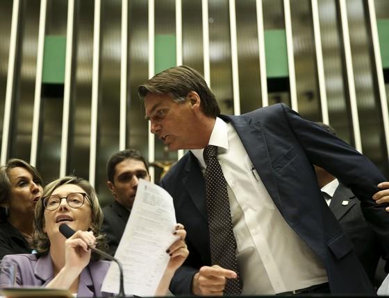 A deputada Maria do Rosário e o deputado Jair Bolsonaro (Foto: Marcelo Camargo / Agência Brasil)