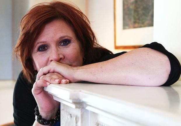 Carrie Fisher é enterrada em urna com forma de pastilha de Prozac