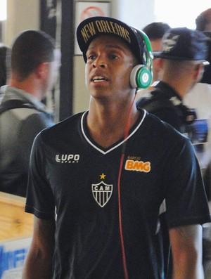 Jô Embarque Atlético-MG (Foto: Gabriel Duarte)