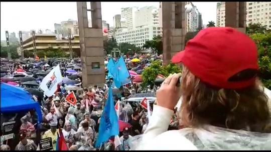 Trabalhadores paralisam atividades e fazem ato contra reformas trabalhistas e da Previdência em BH e região