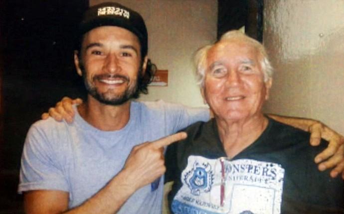 Rodrigo Santoro ao lado do seu pai, versão dublê, em Velho Chico. (Foto: Arquivo pessoal)