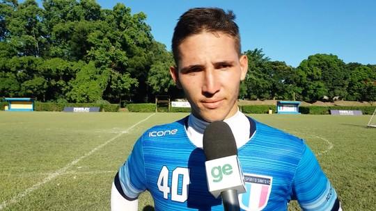 Após golaço em jogo-treino, Marcinho busca vaga de titular no Santão