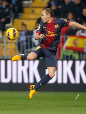 Iniesta Barcelona x Málaga (Foto: Reuters)