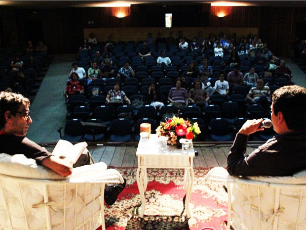 Juan Pablo Villalobos falou sobre o romance 'Festa no Covil'  (Foto: Jéssica Balbino / G1)