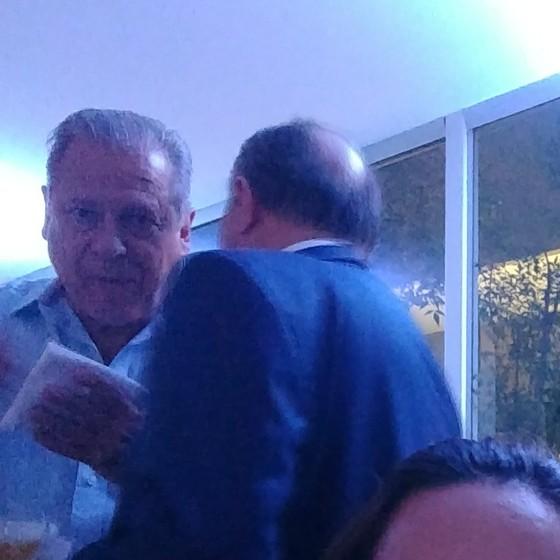 Dirceu prestigia festa promovida por diretor de agência reguladora (Foto: Reprodução)