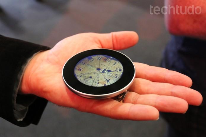 O Runcible não apita e não tem LED para alertar sobre novas mensagens (Foto: Isadora Díaz/TechTudo)