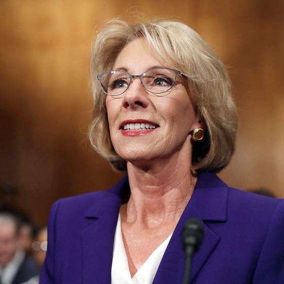 Betsy DeVos secretária de Educação do Trump (Foto: Chip Somodevilla/Getty Images)