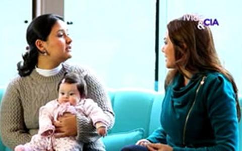Especialista em cuidados com recém-nascidos explica nova técnica para acalmar bebês