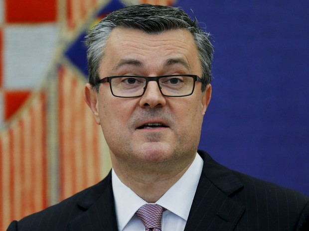 O novo primeiro-ministro da Croácia, Tihomir Oreskovic, no gabinete presidencial em Zagreb, na quarta (23) (Foto: Reuters/Antonio Bronic)
