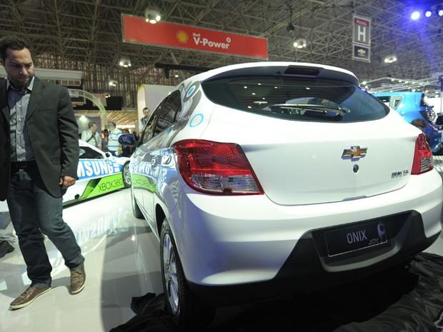 Onix é exposto no estande da Chevrolet. Carro foi anunciado já na véspera do evento (Foto: Flavio Moraes/G1)