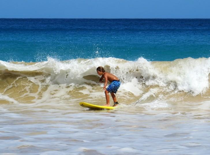 Escolinha de Surfe Noronha 4