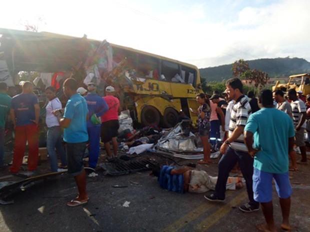 Atropelo na Bahia (Foto: Carlos Alberto/ site Aragão Notícias)