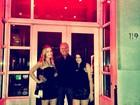 Roberto Justus curte férias com as filhas nos Estados Unidos