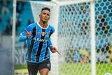 Saraiva vê Renato Gaúcho certeiro  nas substituições em vitória do Grêmio