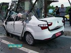 Dupla tenta roubar táxi, mas motorista capota veículo e ladrão morre