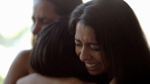 Campanha exibe o emocionante encontro de Miriam, Patricia e Juliana (Globo)