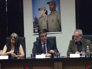 Ministro da Justiça anunciou medidas de segurança para Santa Catarina (Foto: Naim Campos/RBS TV)