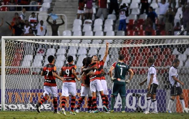 Gonzalez gol Flamengo (Foto: Dhavid Normando / Ag. Estado)
