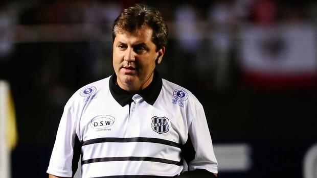 Gilson Kleina técnico Ponte Preta (Foto: Marcos Ribolli / Globoesporte.com)