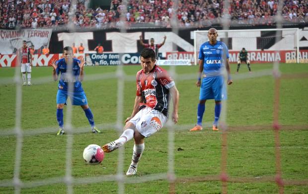 Ricardinho gol Joinville (Foto: Leandro Ferreira / Futura Press)