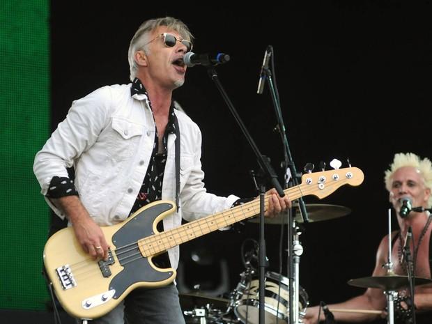 Glen Matlock, ex-baixista dos Sex Pistols, toca com o Brothers of Brazil no Rock in Rio (Foto: Alexandre Durão/G1)