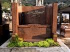 Veja imagens dos túmulos de vários famosos no Cemitério São João Batista, no Rio