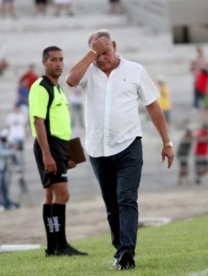 Freitas Nascimento, técnico do Campinense, na decisão do Campeonato Paraibano (Foto: Leonardo Silva/Jornal da Paraíba)