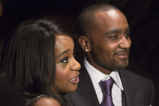 Bobbi Kristina Brown com o noivo, Nick Gordon, na première de 'The Houstons: On Our Own' em Nova York, nos EUA (Foto: Andrew Kell/ Reuters/ Agência)