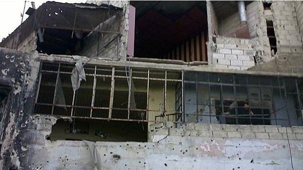 Zizit tinha sua própria clínica em Damasco, que foi destruída pelo conflito (Foto: BBC)