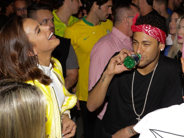 Bruna Marquezine e Neymar em show em São Paulo (Foto: Claudio Augusto/ Brazil News)