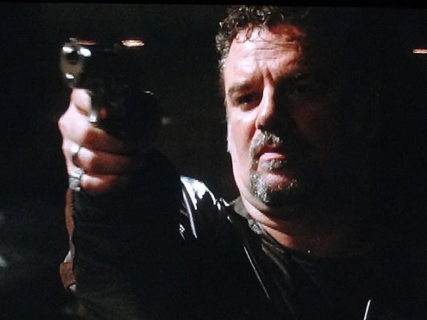 Russo mata italiano e se livra de acusação (Foto: Salve Jorge / TV Globo)