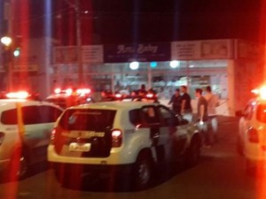 Festa terminou em confusão entre estudantes e policiais (Foto: Divulgação / Acontece Botucatu)