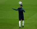 Jornal coloca futuro de Rafinha nas mãos de novo técnico do Barcelona