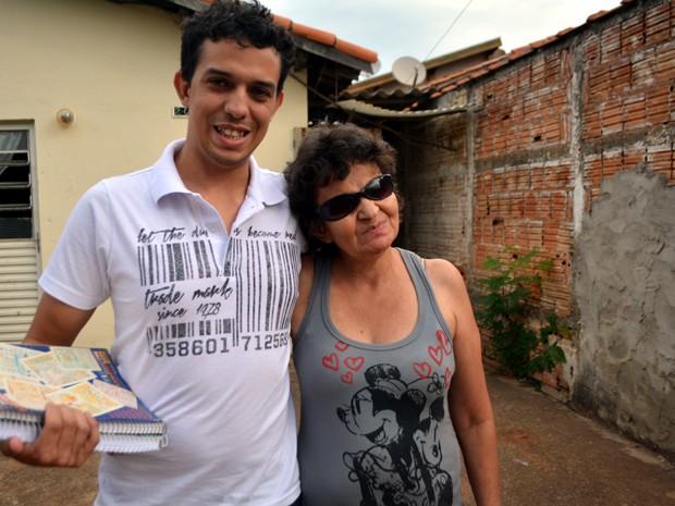 Vestibulando 'prodígio', estudante da periferia já passou em 10 vestibulares (Foto: Lana Torres / G1)