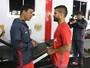 De volta ao Rio, Diego aparece pela primeira vez no Ninho