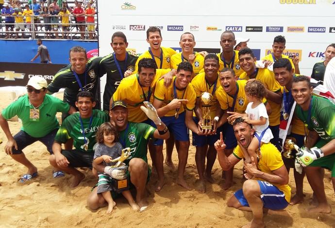Seleção comemora a conquista do Sul-Americano sobre o Paraguai (Foto: André Rodrigues/Globo Esporte ES)