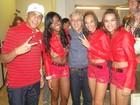 Caetano Veloso tieta grupo de funk nos bastidores do 'Esquenta'