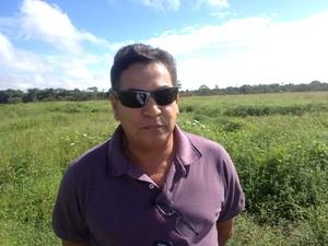 Piloto Geraldo Dutra, com mais de 30 anos de aviação (Foto: Abinoan Santiago/G1)