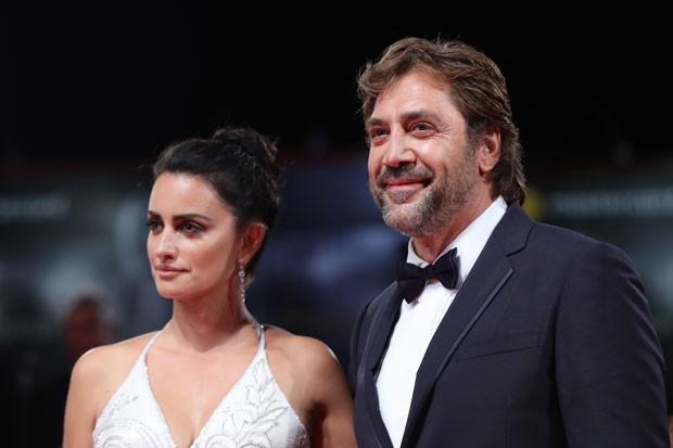 Javier Bardem e Penélope Cruz na estreia de 'Mother!' (Foto: Getty Images)