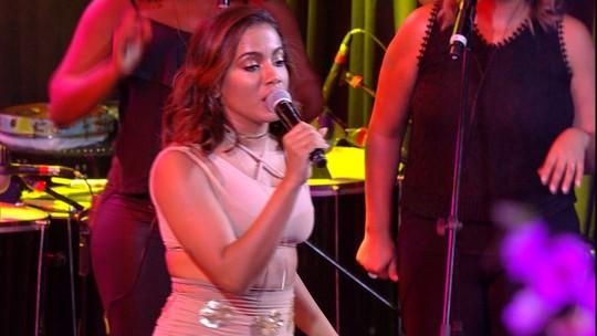 Anitta empolga com 'Sim ou Não' na Festa Pop Japan