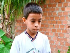 Ao ouvir gritos de socorro, Vitor avisou os pais e pediu ajuda (Foto: Rede Amazônica/ Reprodução)