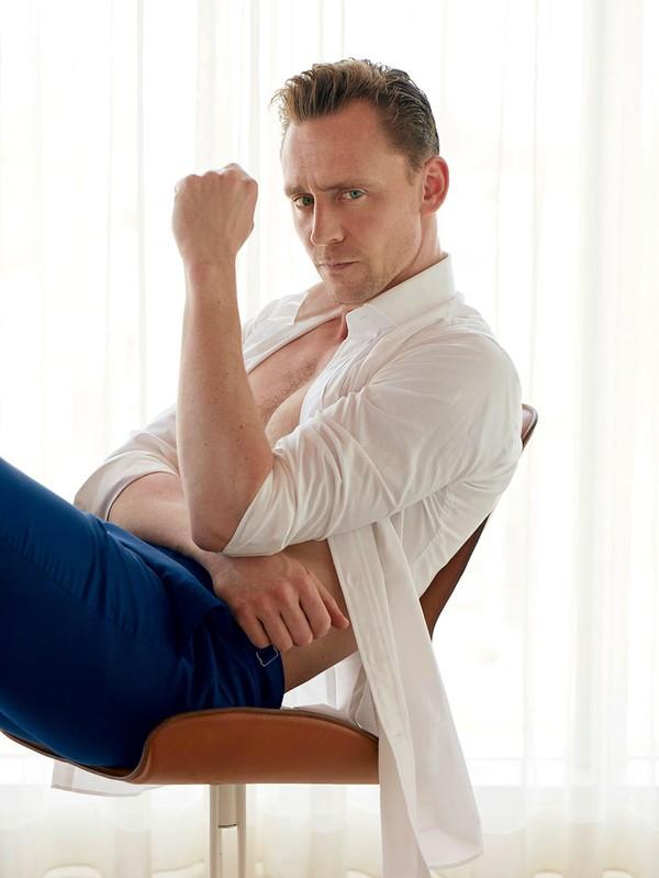 Tom Hiddleston posa para revista americana (Foto: Reprodução)