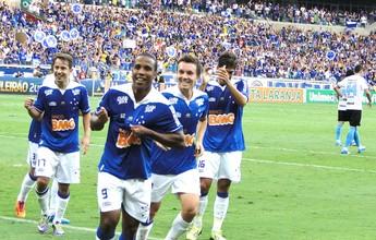 Em 2013, Cruzeiro vence Grêmio por  3 a 0 e dá volta olímpica antecipada