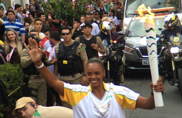 Sassá, vôlei, tocha olímpica, tour da tocha, Barbacena (Foto: Pedro Veríssimo)