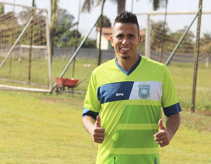 Atacante Potita é o mais novo reforço do Gama para o Candangão 2017 (Foto: Douglas Oliveira / Gama)