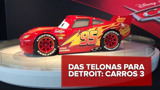 Personagem do filme 'Carros' em tamanho real vai ao Salão de Detroit