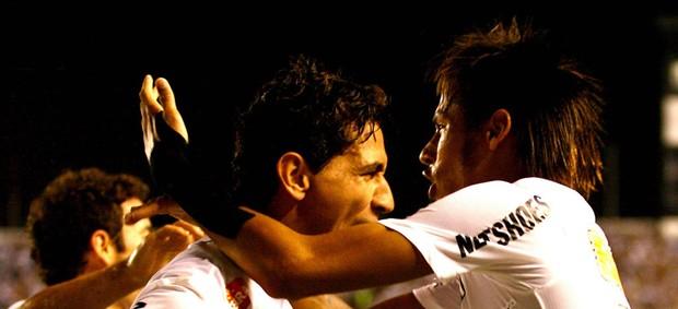 Ganso Neymar gol Santos (Foto: Guilherme  Dionízio / Futurapress)