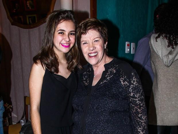 Klara Castanho e Neusa Maria Faro em teatro em São Paulo (Foto: Manuela Scarpa e Marcos Ribas/ Foto Rio News)