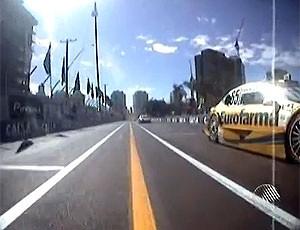 trecho de pista da stock car com faixa amarela (Foto: Imagens/TV Bahia)